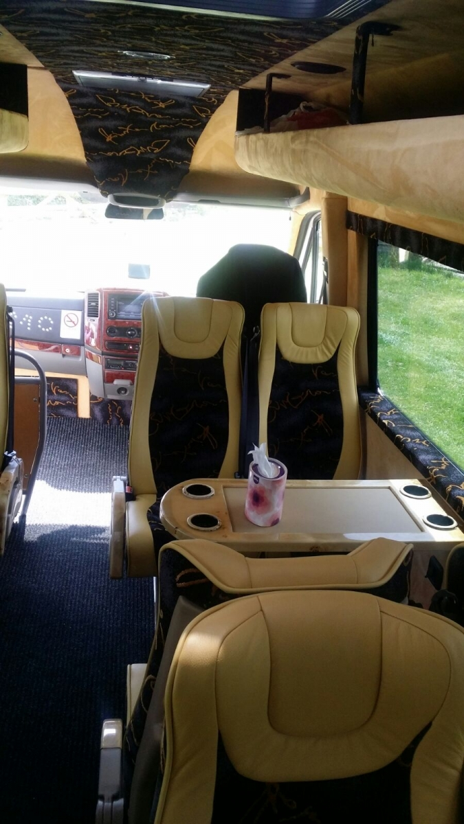 Luxury  table bus.